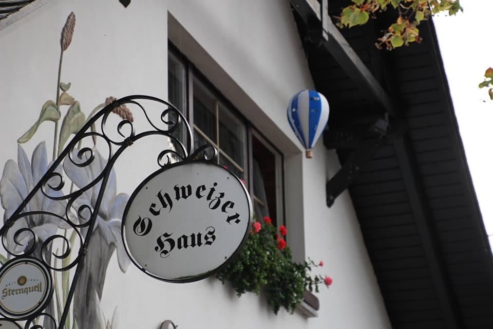 Schild Schweizerhaus